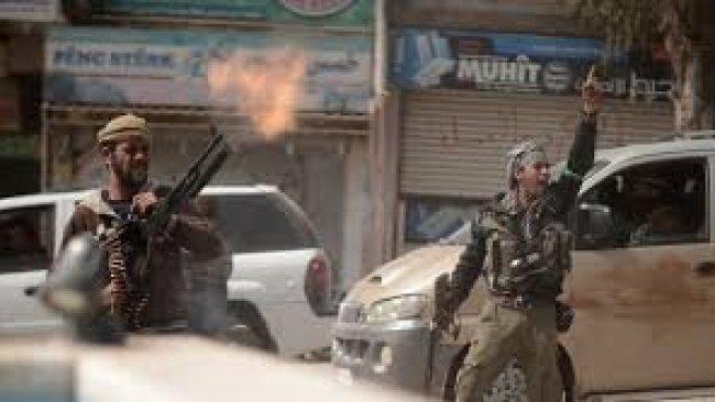 Afrin'de silahlı gruplar arasında çatışma