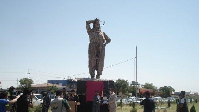 Enfal Katliamı'nın anısına 'Enfal Annesi' heykeli dikildi