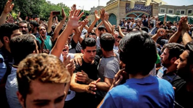İran'ın halkına mesajı: İsyan ederseniz ölürsünüz