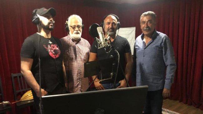 Dört sanatçı Pêşawa Qazi Muhammed ve Peşmerge Hucam Surçi için söyledi