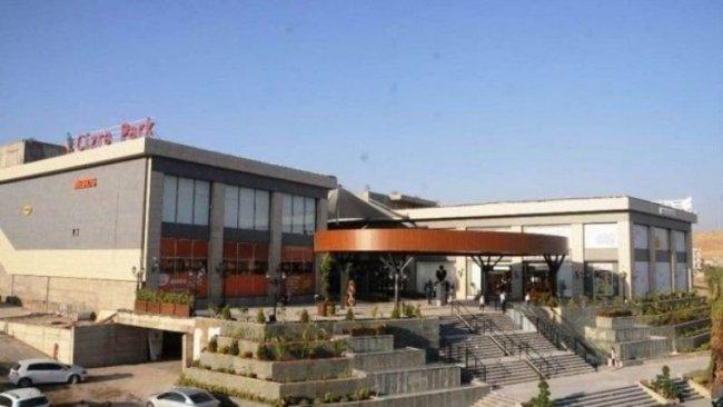 Cizre'de yeni açılan AVM'de Kürtçe yasağı