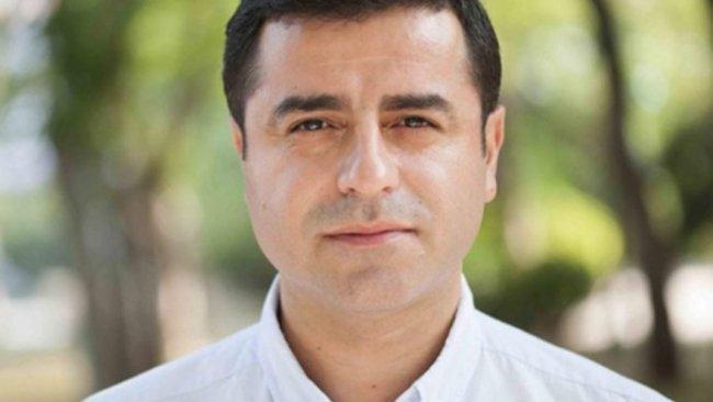 Selahattin Demirtaş'tan ölüm orucundaki avukatlar için çağrı