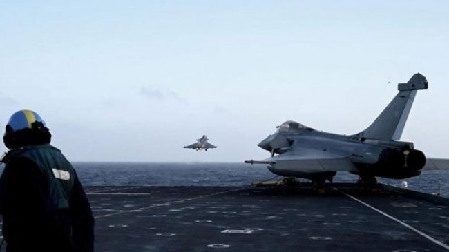 Fransız savaş uçakları Kıbrıs Rum kesimine indi
