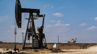 'ABD güçleri Kürtlerin petrolünü korumak için Suriye'de'