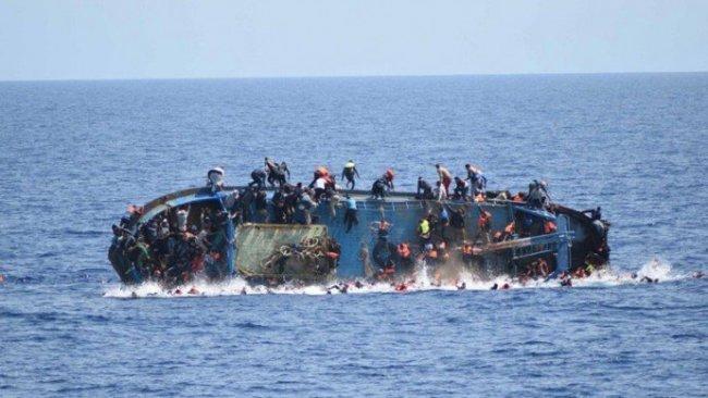 Libya açıklarında mülteci teknesi battı: En az 45 ölü
