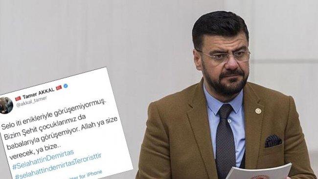 Selahattin Demirtaş'a hakaret eden AKP'li Tamer Akkal hakkında suç duyurusu