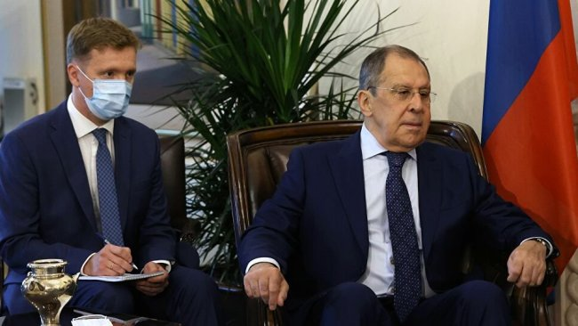 Lavrov Kıbrıs'ta: