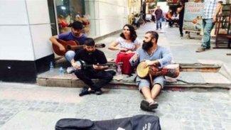 Ronas Aram yazdı: Festivalimizde Kürtçe şarkı söylemek yasak