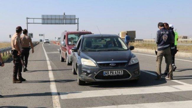 Kars'ın giriş-çıkışları HDP'lilere kapatıldı