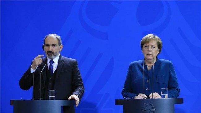 Paşinyan'dan Merkel'e: Türkiye'nin saldırgan eylemlerini engelleyin