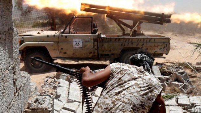 Guardian: Türkiye ve BAE, Libya'ya silah ambargosunu alenen deliyor