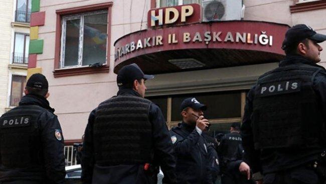 HDP'nin Diyarbakır il ve ilçe binalarına baskın