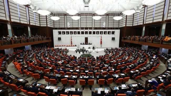 AK Parti, CHP, MHP ve İYİ Parti'den ortak Macron bildirisi