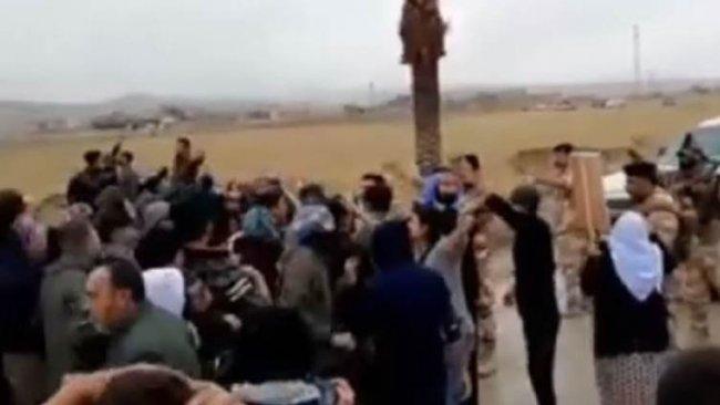 YBŞ taraftarları Şengal'de Irak'a ait kontrol noktasını yaktı