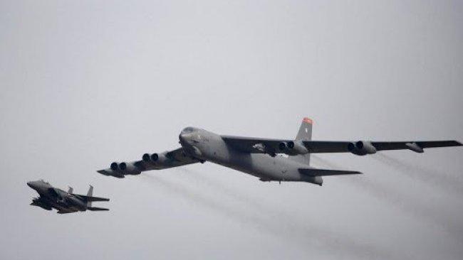ABD, Ortadoğu'ya B-52 bombardıman uçağı gönderdi