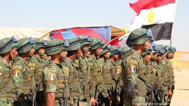 6 Arap ülkesinden Libya sınırı yakınında ortak tatbikat