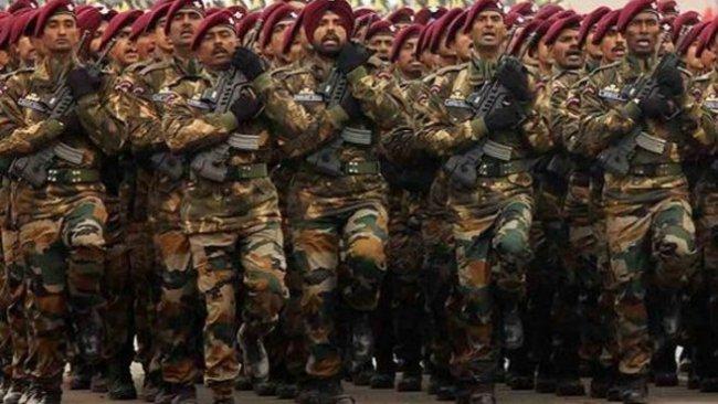 Hindistan'da orduya 'savaş pozisyonu alın' talimatı