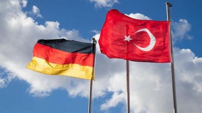 Alman Bakandan Türkiye'ye gidenlere uyarı