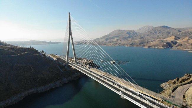 16 şehri birbirine bağlayacak Kömürhan Köprüsü açıldı