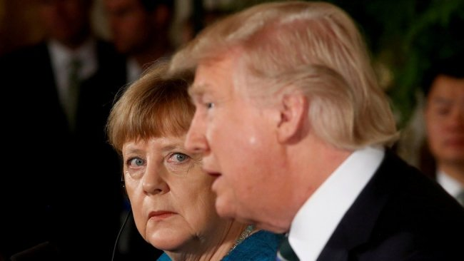 Merkel: Trump'ın hesabının kapatılması sorunlu
