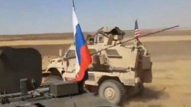 Rusya, ABD'nin Rojava'da kullandığı bir ana yolun yakınına konuşlandı