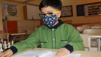 8 yaşındaki Hakkarili çocuk Dünya Matematik Şampiyonu oldu