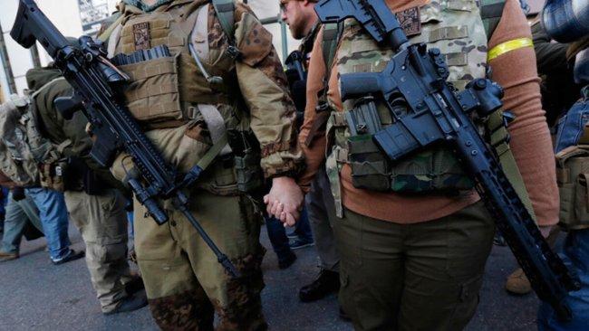 ABD'de silahlı gruplar toplanmaya başladı