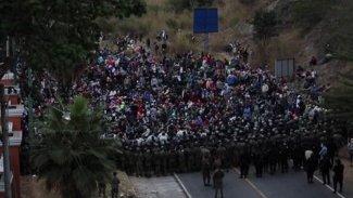 ABD'ye gitmeye çalışan göçmenlere ordu müdahale etti