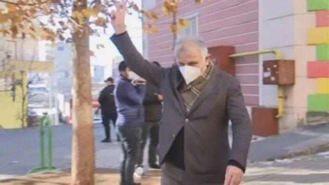 Zafer işareti yaptığı için hedef gösterilen HDP'li vekilden açıklama