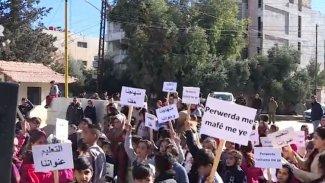Rojava'da BM Ofisi önünde Kürtçe protestosu