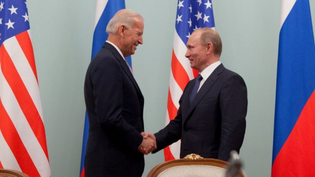 Putin, Biden'la telefonda görüştü