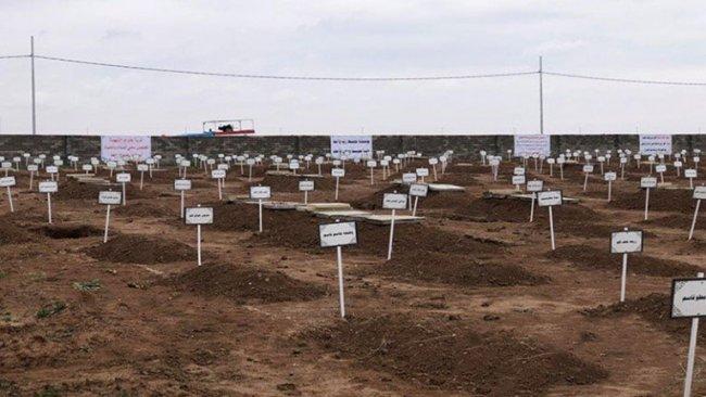 Şengal'de 104 Ezidi Kürt'ün naaşı toprağa veriliyor