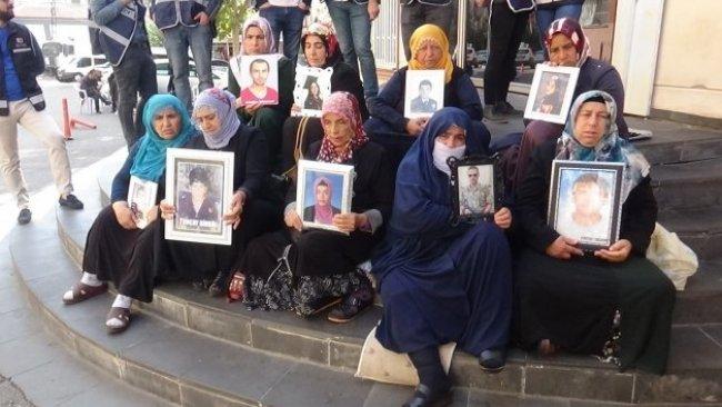 Nurettin Demirtaş'tan  Diyarbakır'daki ailelere: 'Gelin çocuklarınızı görün'