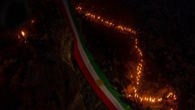 Akre'de dev Kürdistan bayraklı Newroz kutlaması