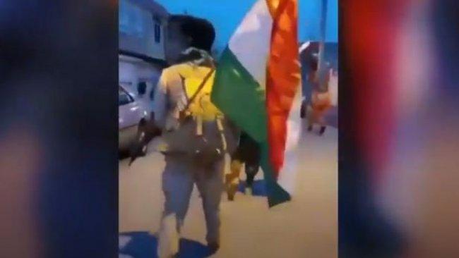 26 yıl sonra bir ilk...Peşmergeler silahları ve Kürdistan Bayrağı ile şehirlere indiler!
