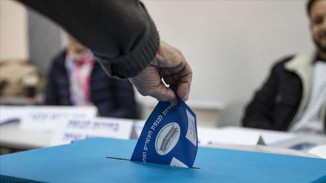 İsrail'de seçmenler 2 yılda dördüncü kez sandık başında