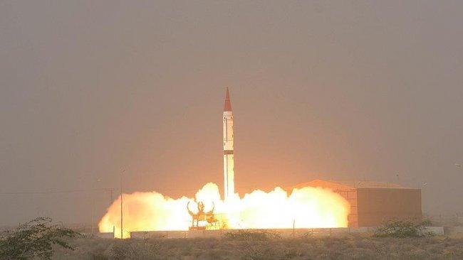 Kuzey Kore, iki balistik füze denemesi yaptı