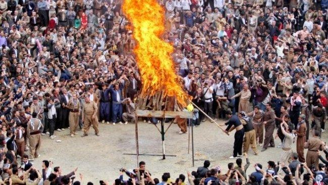 Doğu Kürdistan'da Newroz kutlamalarına katılan onlarca kişi tutuklandı!