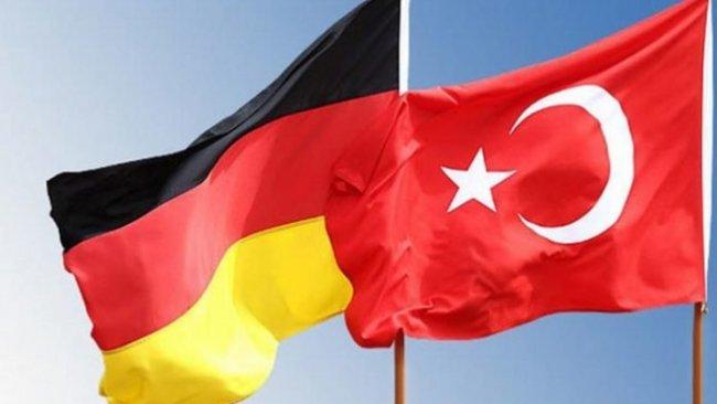 Almanya Türkiye'yi 'enfeksiyon riski yüksek' bölgeler listesine aldı