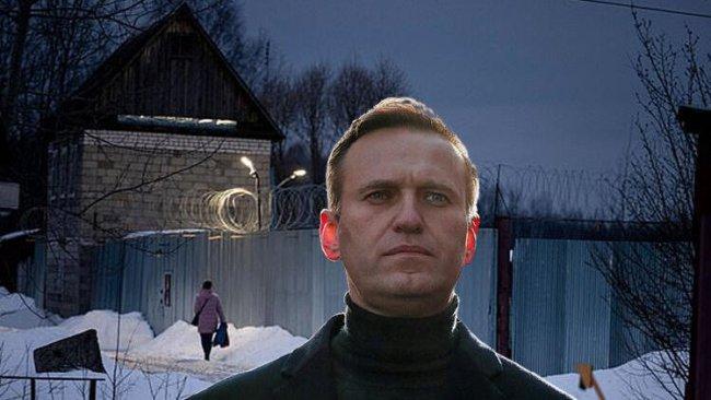 Rus doktorlar: Navalny her an ölebilir
