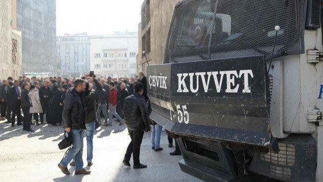Van'da gösteri yürüyüşü ve açık hava toplantıları 15 gün yasaklandı