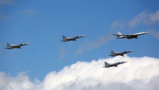 NATO savaş uçakları Rus savaş uçaklarını önledi