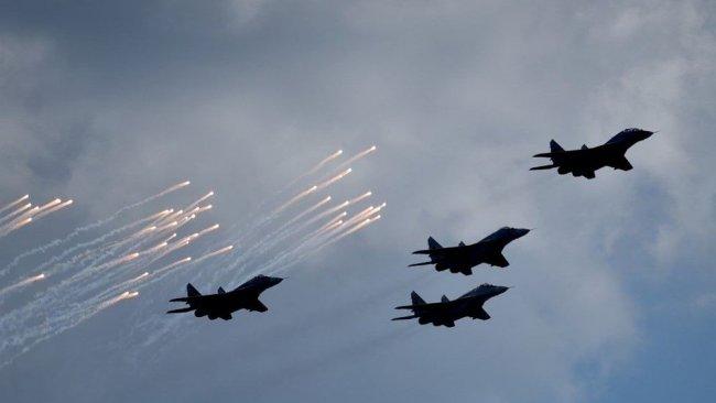 Savaş uçakları SMO karargahını bombaladı