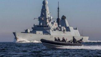 İngiltere ile Fransa arasında gerilim: Savaş gemileri bölgede