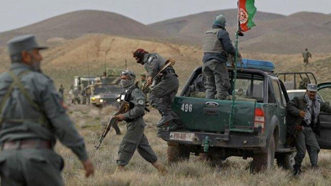 Afganistan: Taliban, İran sınırında ilerliyor