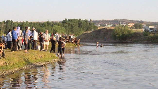 Dicle Nehri'ne giren genç boğularak hayatını kaybetti