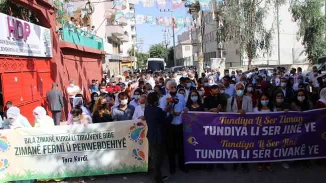 Cizre'de Kürtçe için şenlik: 'Anadilimiz bizim varlığımız ve kimliğimizdir'