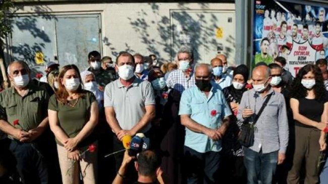 Diyarbakır'da, HDP mitingine yönelik saldırıda yaşamını yitirenler anıldı