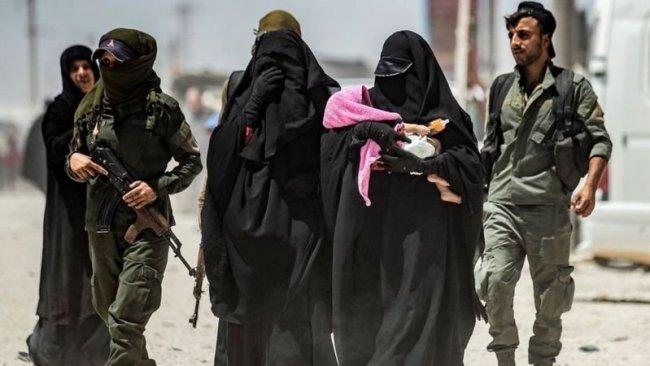 DSG, IŞİD'li 4 aileyi Hollanda'ya teslim etti