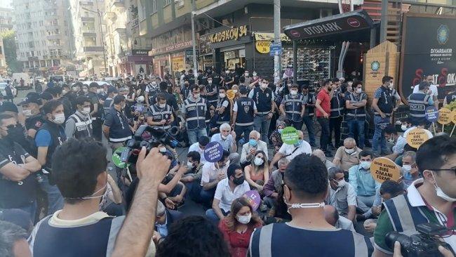 Diyarbakır'da anadil mitingi engellendi